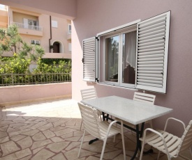 Apartments with a parking space Makarska - 6694