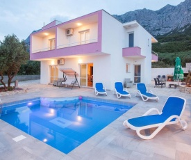 ctma133/ Holiday house with private pool