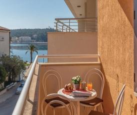 Apartment Makarska with Sea View VI