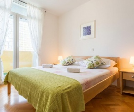 Apartment for 5 persons in Split, sea view, wifi